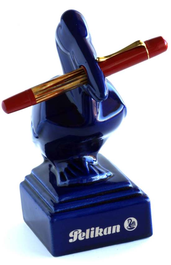 Peliakan pen stand and M101N tortoiseshell red