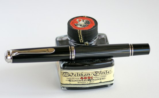Pelikan M805 Anthracite Stresemann and Pelikan 4001 Royal Blue Ink