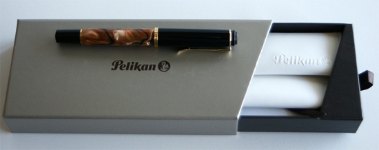 Pelikan G5 gift box with M201 Bayou