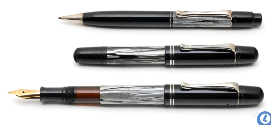Auch Pelikan 200 pencil and 100N fountain pen in Gray/Nickel