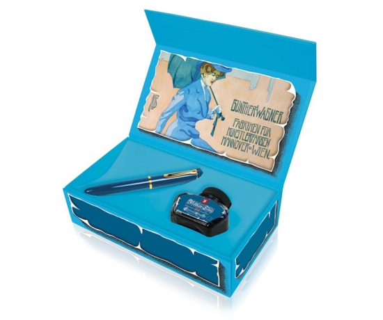 Pelikan M120 Iconic Blue gift packaging