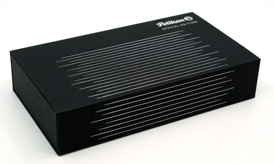 M815 Metal Striped outer packaging